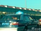 上海:男女在行驶出租车内脱衣车震