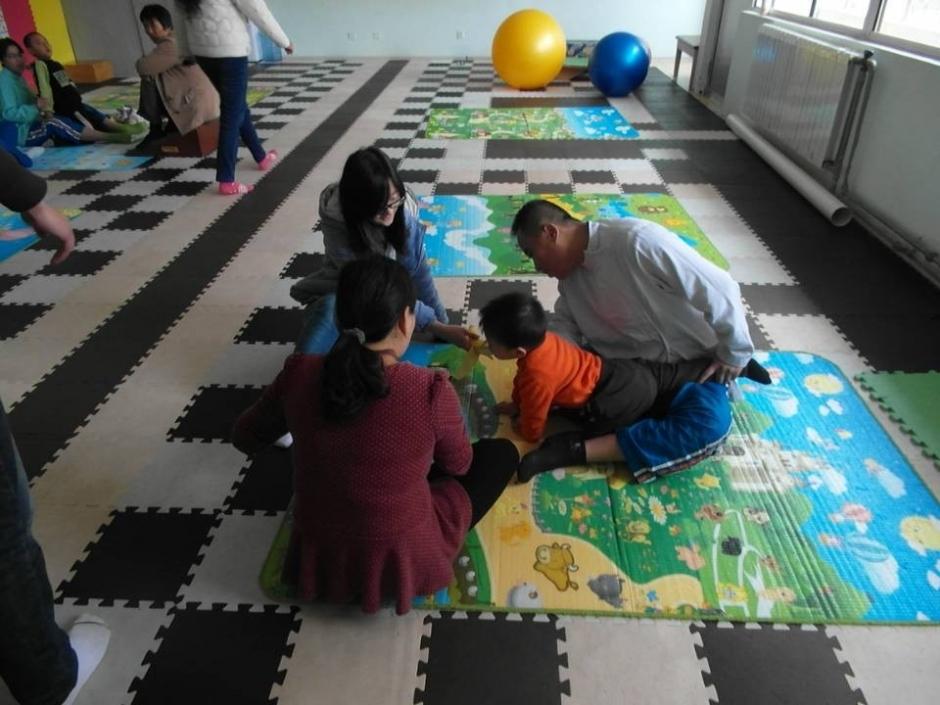 本次活动由我院团委组织,通过看望残疾儿童展现我院团委对残疾儿童的关心与爱护。